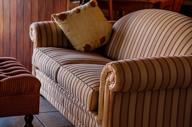 Comment trouver la table basse adapt e son fauteuil chesterfield fauteu - Table basse chesterfield ...